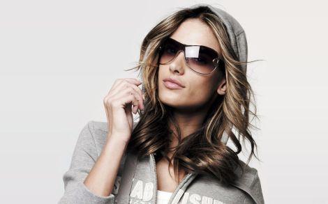 Alessandra-Ambrosio-Fashion-Sunglasses-Wide