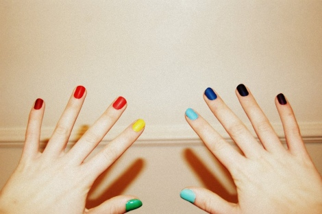 intheclouds_rainbow_nails (100)