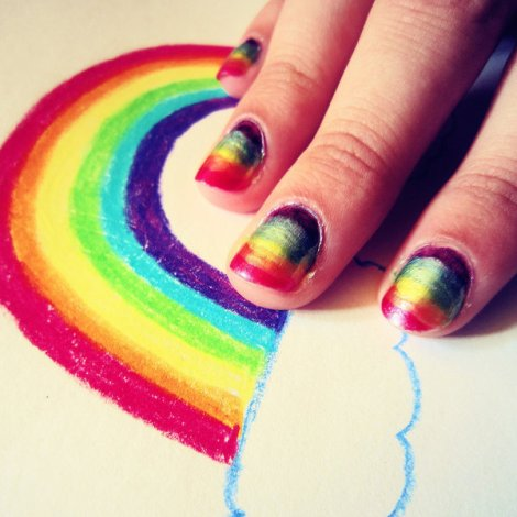 intheclouds_rainbow_nails (111)