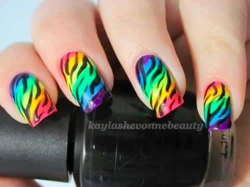 intheclouds_rainbow_nails (57)