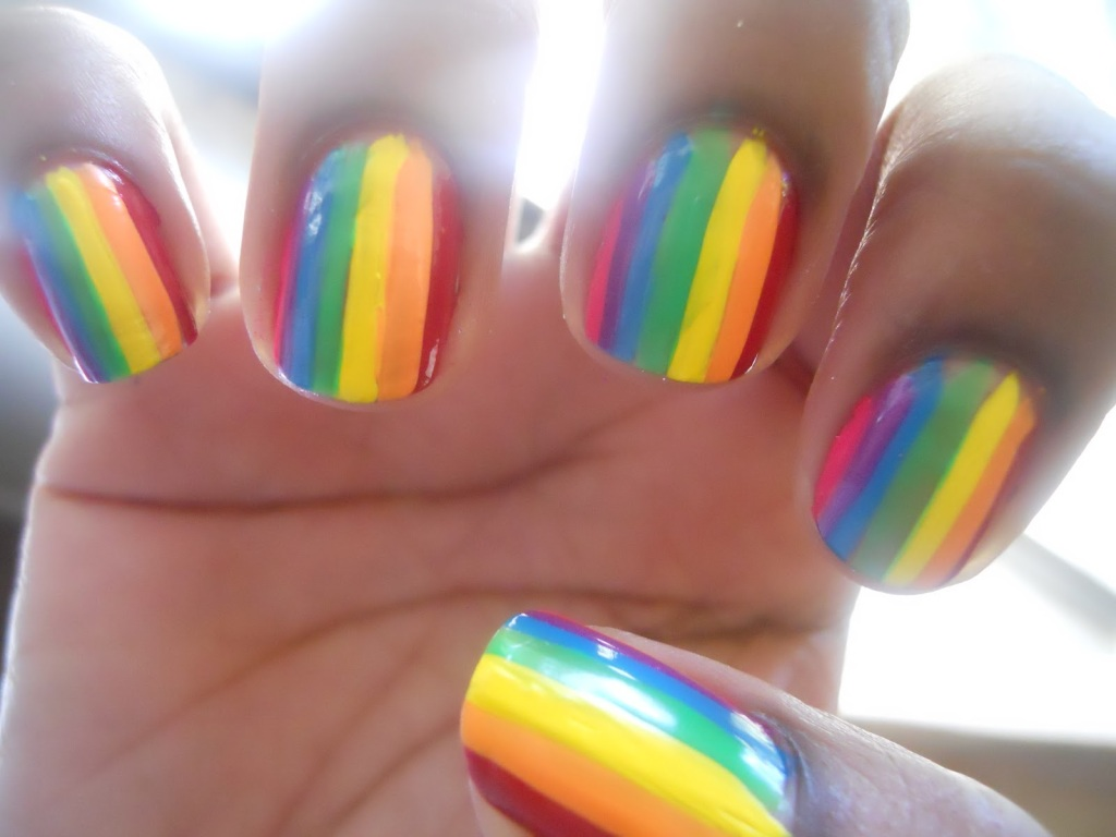intheclouds_rainbow_nails (66)