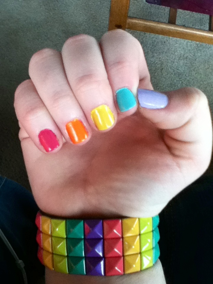 intheclouds_rainbow_nails (74)