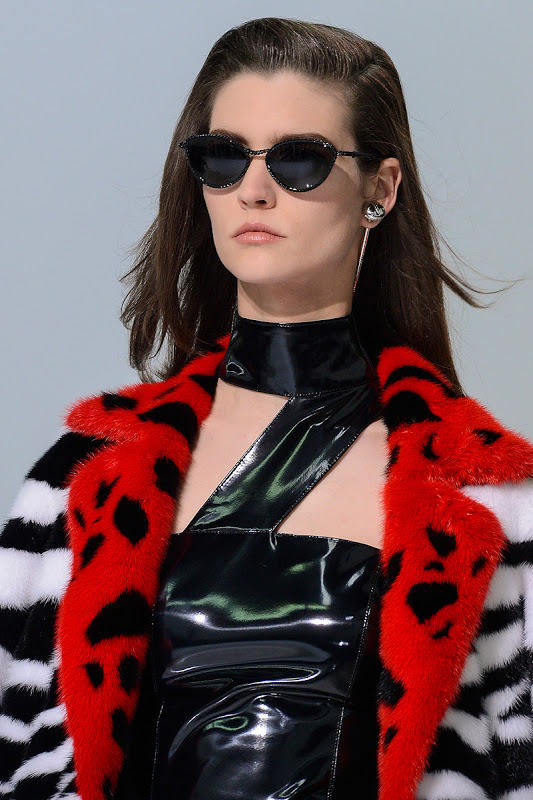 Manon_Leloup_versace_women_sunglasses_fall_winter_2013-2014
