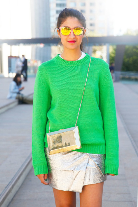 nyfw-street-style-new-york-fashion-week-ss-2013-spring-summer-preetma-vogue-gold-box-crossbody-bag-bright-green-sweater-silver-assymetrical-split-skirt-mirrored-sunglasses-via-elle-magaz