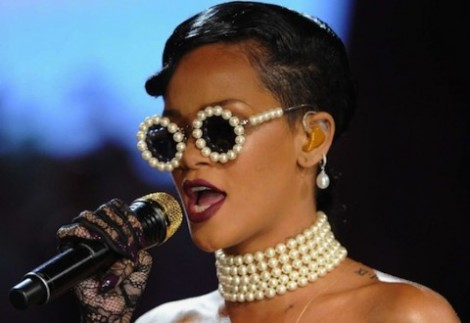 Rihanna-Victorias-Secret-fashion-show-480x330