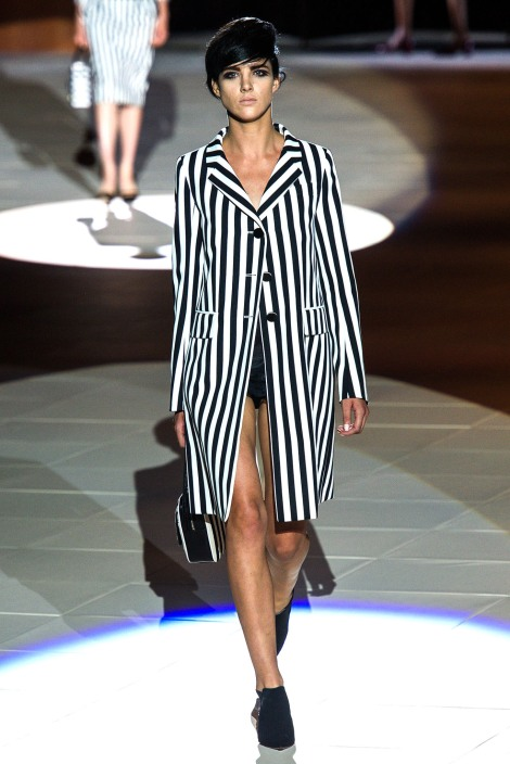 vertical_stripe_la_fashion_blog_spring_trend-runway-3