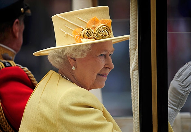 DIos-alvi-la-regina