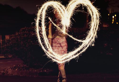 fire-fireworks-firwork-girl-heart-favim-com-117449