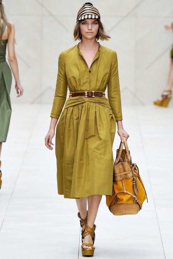 look-giallo-burberry-prorsum1