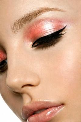 salmon-pink-eye-makeup-266x399
