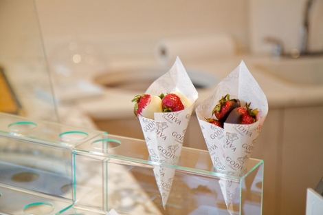 beautiful-food-godiva-photography-strawberries-Favim.com-117964