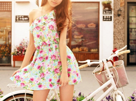 bicycle-dress-fashion-floral-girl-Favim.com-130280_large