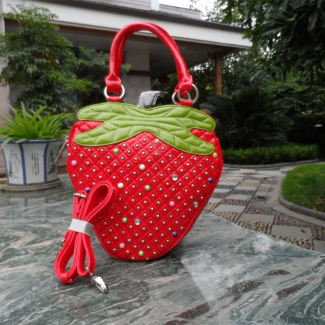 Candy-cartoon-fashion-women-s-handbag-strawberry-bags-smiley-bag-female-bag-fruit-small-bag-red