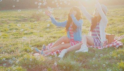 asian-bubbles-fashion-friends-girl-Favim.com-202844_large