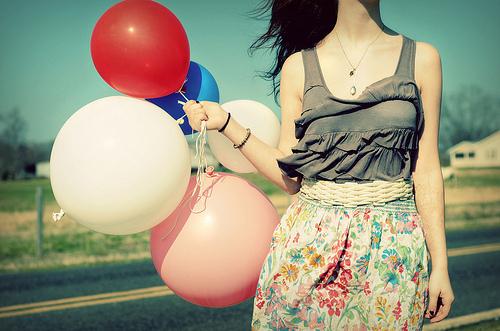 balloon-fashion-model-outfit-photography-Favim.com-79637