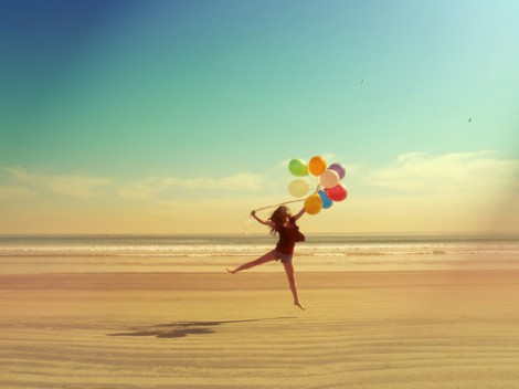 balloons-beach-fashion-girl-hair-Favim.com-209330