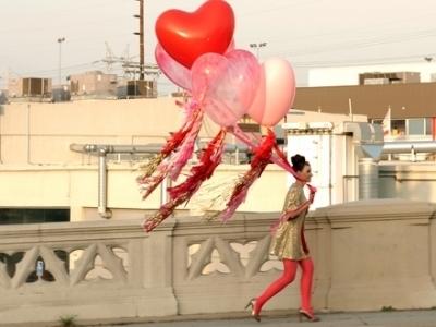 balloons-fashion-girl-hearts-Favim.com-493191