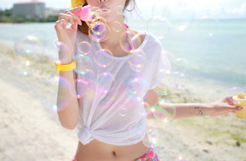 beach-bubbles-fashion-girl-ocean-Favim.com-363390