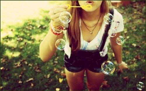 beautiful-blonde-bubbles-cute-fashion-girl-Favim.com-58806_large