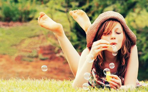 beret-bubbles-colorful-cute-fashion-girl-Favim.com-55013