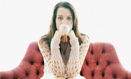 Blowing-a-bubblegum-bubbl-007