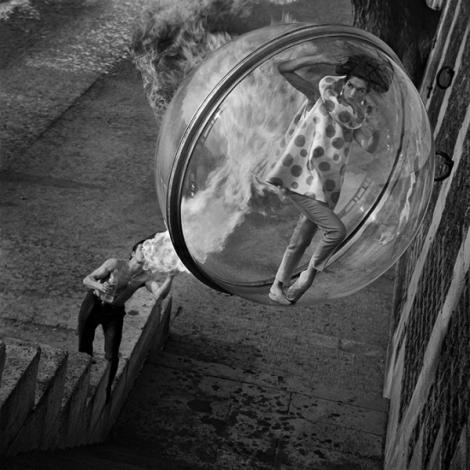 Bubble-Series-par-Melvin-Sokolsky-pour-Harper-s-magazine-1963-6