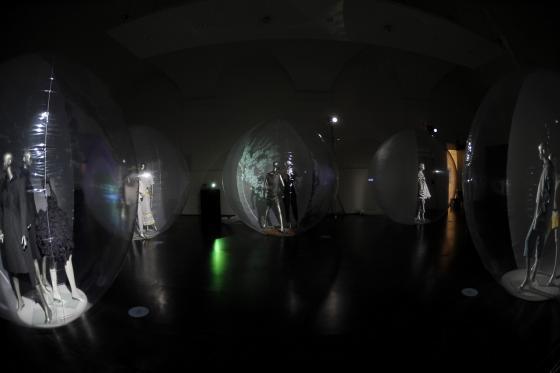 bubbles-of-fashion-altaroma-2013-L-GZkd_U