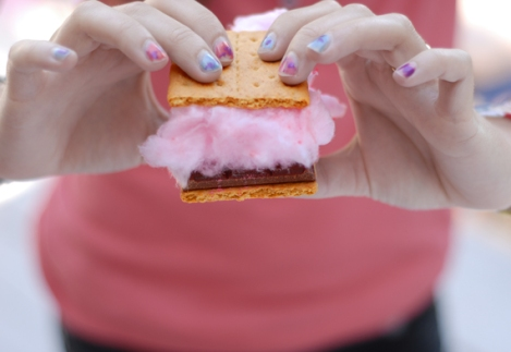 cotton-candy-smore