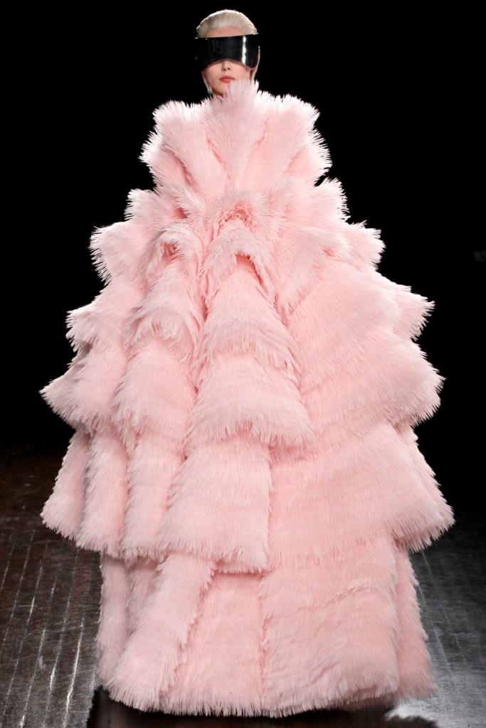 Paris Fashion Week (Alexander McQueen Fall 2012) 32