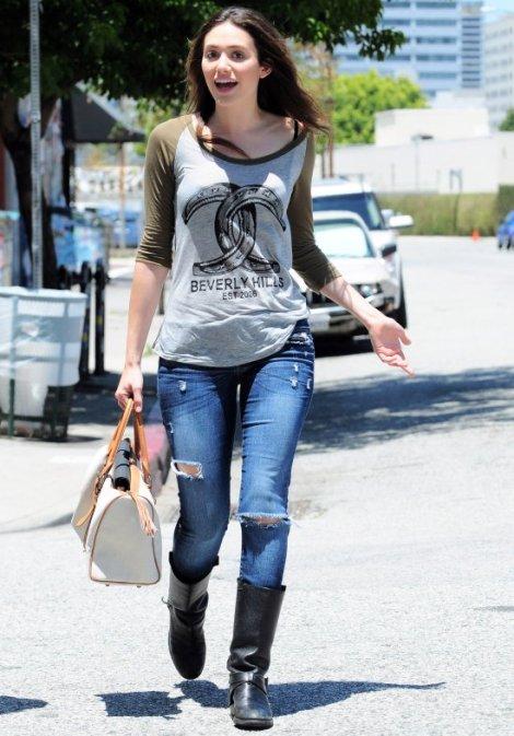 emmy-rossum-casual-fashion