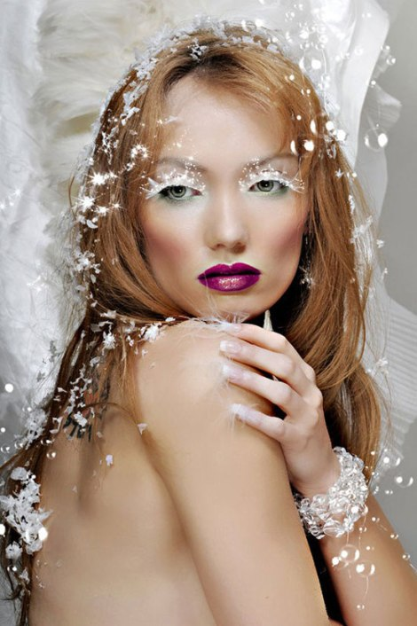 10-Frozen-Ice-Snow-Queen-White-Winter-Make-Up-Ideas-2012-For-Girls-8