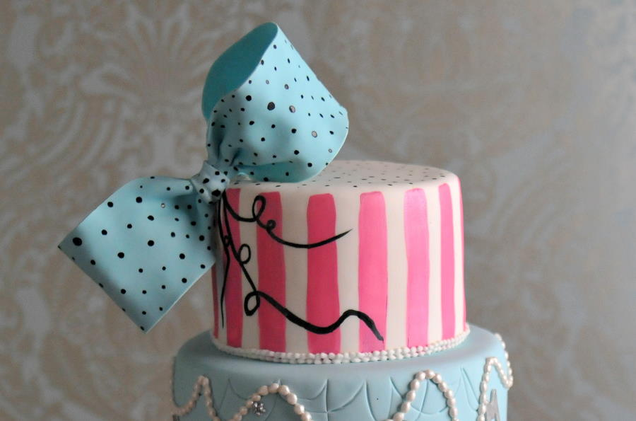 betsey-johnson-fashion-cakes-bat-mitzvah