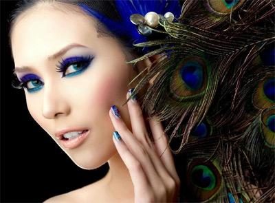 blue-eyeshdaow-peacock