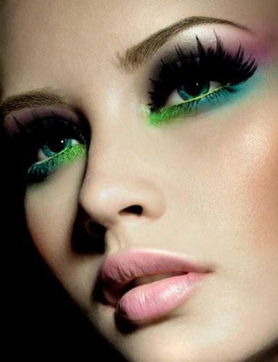 Hot-Peacock-Eye-Makeup