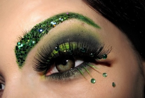 Party-Eye-Makeup-with-Eyelash-Extensions_01