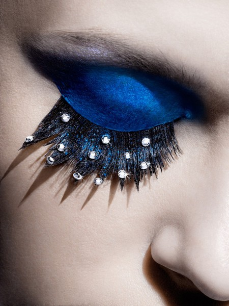 peacock-blue-eye-makeup