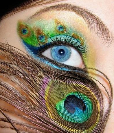 peacock-eye-makeup