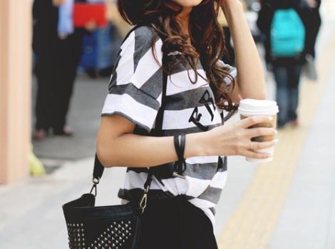girl-casual-fashioncasual-coffee-fashion-girl-model-starbucks---inspiring-asqbxru0