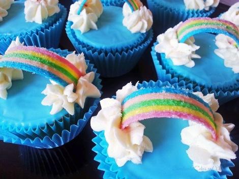 Rainbow cupcakes (29)