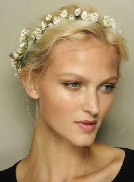 Spring-summer-2014-hairstyles-trends-from-Dolce-and-Gabbana-fashion-show-02