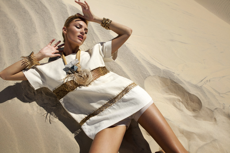 Candice Swanepoel by J.R. Duran (Queen Of The Desert – Vogue Brazil October 2011) 5