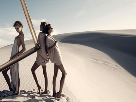 Desert-fashion-photography-feeling-hot-summer