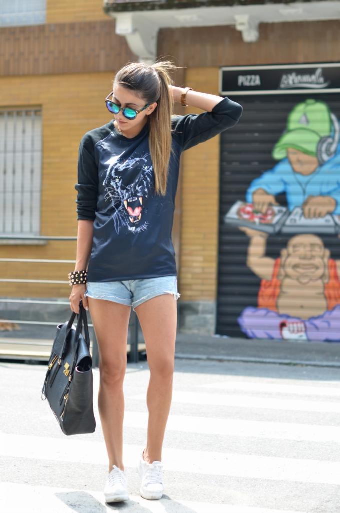 maglia-con-tigre-fashion-blogger-sneakers-con-zeppa-OUTFIT-ROCK-nicoletta-reggio_5504-4
