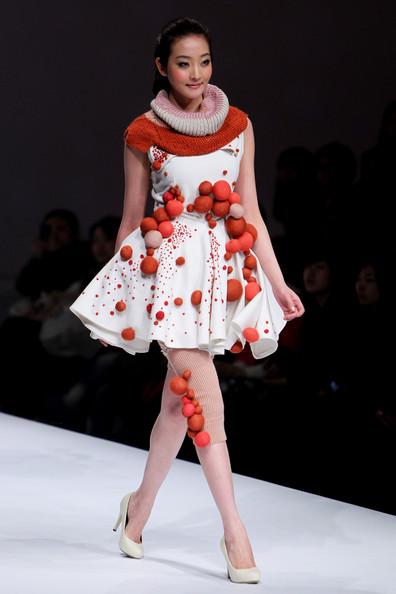 China+Fashion+Week+A+W+Day+6+yvpg_iO7XXzl