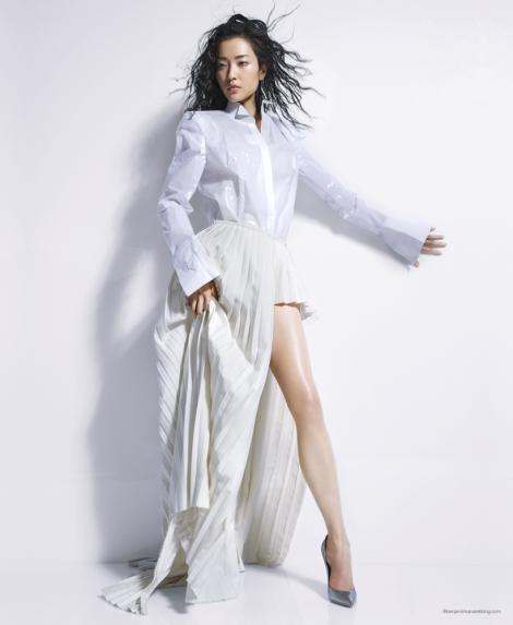 Du-Juan-Benjamin-Kanarek-VOGUE-China-Modern-White-Sept-2012-9